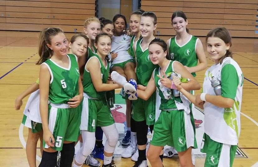 Anastasija Tepić podaj žogo
