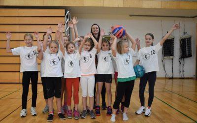 Vabimo deklice v eno izmed najboljših šol košarke