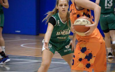 Eliza Pintar podaj žogo